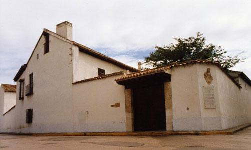 http://www.casasmuseo.es/imagenes/casas-museo/02-castillalamancha-01.jpg